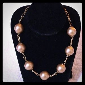 Chic Oversized Gold Pearl Necklace